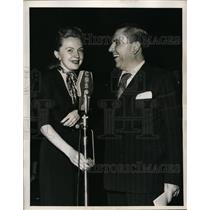 1950 Press Photo Bob Hawk & Bonnie Lee Williams of Bob Hawk Show