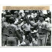 1956 Press Photo Mets Gary Carter scores vs Chicago greeted by Wally Backman