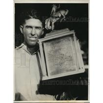 1931 Press Photo Ike Rude awarded the Sam Jackson Trophy for best cowboy