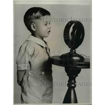 1929 Press Photo Kenth Hamilton Age 2 Youngest Regular Radio Star