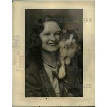 1932 Press Photo Frances Bowden on NBC WEAF Offered Autograph & Paw Print Listen
