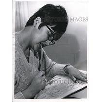 1967 Press Photo Mrs. Frank vasinko makes her selection after winning the pool
