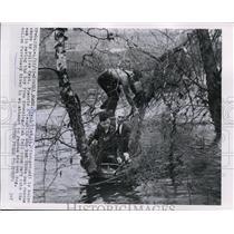 1955 Press Photo Lowell MA police rescue Paul Kiah from Merrimack river flood