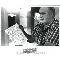 1988 Press Photo Lottery winner, Chester Lowe - cva98511