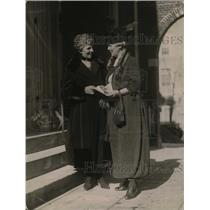 1921 Press Photo Mrs Warren G Harding, Mrs Lawrence Lewis in Washington DC