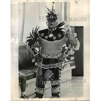 1969 Press Photo Traditional Indian Dancing and Craftwork - orb76125