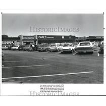 1988 Press Photo Carl's Superstore, River Plaza, Rocky River - cva79113