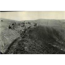 1928 Press Photo Farm Scene - spa03099