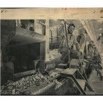 1983 Press Photo Potman Dwayne Lincoln at Kaiser Mead Plant - spa01038