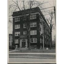 1953 Press Photo Logan Hotel, 9507 Euclid Ave. - cva88587