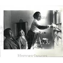 1985 Press Photo St. Catherines Rectoy with Juanita S. McPherson, - cva76598