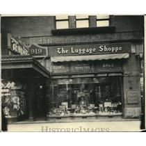 1919 Press Photo The Luggage Shoppe - cva87469
