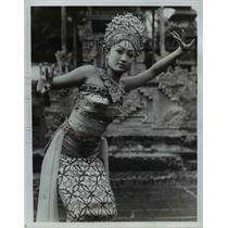 1977 Press Photo At the Legian, the musicians just suddenly stopped playing,