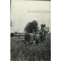 1930 Press Photo Harvest scene at the farm - spa00526