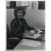 1977 Press Photo Grace Parch, head librarian - cva74657