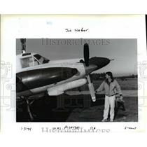 1994 Press Photo Joe Weber With Airplane - ora93510