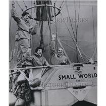 1958 Press Photo Rosemary, husband & navigator Colin Mudie & pilot A. B. Eiloart