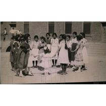 1921 Press Photo Children Playing Together - nex96584