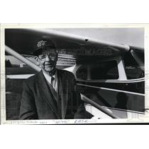 1982 Press Photo William Raser Oldest Active Pilot in West Cessna 182 - ora69297