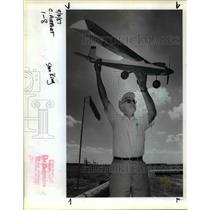 1987 Press Photo King make a few final adjustments on his radio control aircraft