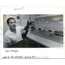 1991 Press Photo Dan George w/ proposed reconstituted air museum at Pearson Air