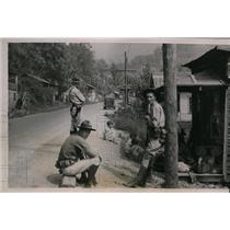 1935 Press Photo Squad Kentucky National Guardsmen at Harlan Guarding Polls