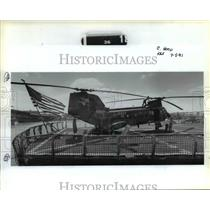 1991 Press Photo ed Page on H-46 transport helicopter aboard USS Mount Hood