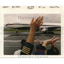 2001 Press Photo Delta Airline - ora99639