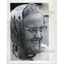 1970 Press Photo Mrs. Evelyn Patterson Wearing Glasses Smiling - ora67615
