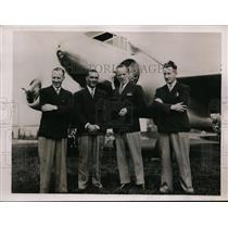 1936 Press Photo Lord Semphill & Pilots Leaving Hanworth Aerodrome Australia