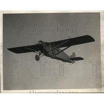 1929 Press Photo Pilot Ernie Smith Plane in Air - ney00074