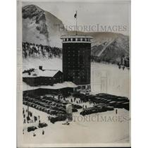 1933 Press Photo Winter sports resort in the Italian Alps in the shape of tower