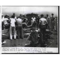1956 Press Photo John Scoville in midget air race plane crash at Niagara Falls