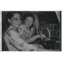 1956 Press Photo Bonnie Butler & Mrs Marrhorie Miller in plane cockpit