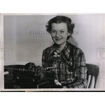 1936 Press Photo Miss Jeanne Mitchell Enters The Newspaper Profession