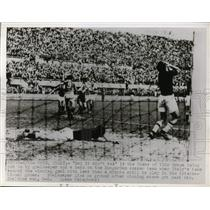 1947 Press Photo Hungarian soccer vs Italians at Rome Italy - nes44235