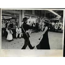 1972 Press Photo Atlas Sheet Metal Co., United Good Neighbors - orb58818