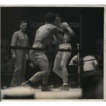 1923 Press Photo Eugene Criqui vs Johnny Dundee, World Lightweght title bout