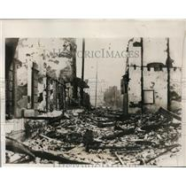 1932 Press Photo Chinese bomb Shanghai wharves to prevent Japanese reinforcement