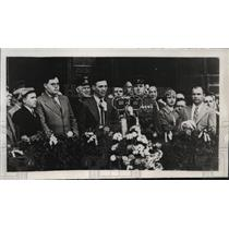 1939 Press Photo Moscow tribute to flyers Kokkinaki, Gordienko. V Fronin