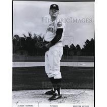 1966 Press Photo Claude Raymond, Pitcher for Houston Astros - mjs00679
