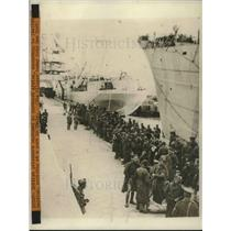 1941 Press Photo British Prisoners captured in Northern Africa arriving at Italy