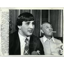 1974 Press Photo John Cappelletii Signs with Rams with Carrol Reosenbloom
