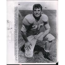 1954 Press Photo Halfback Gene Filipiski Signs Contract With Cleveland Browns
