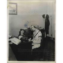 1931 Press Photo Martha Fall as cub reporter at El Paso Herald Post - neb67417