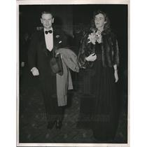 1940 Press Photo Mr and Mrs. Laurence Rocekefeller at Center Theater at N.Y