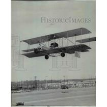 1966 Press Photo Pete Bowers takes off replica of 1912 biplane Powder Puff Derby