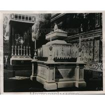 1939 Press Photo Lying In State of a Pope in Sistine Chapel of Vatican