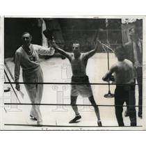 1932 Press Photo Argentina's Carmelo Robledo wins 1932 Olympic boxing final
