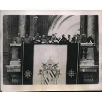 1939 Press Photo Pope Pius XII on the balcony of St.Peter with Church Officials